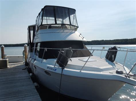 rear cabin boats carver boats 326 aft cabin motor yacht 1999 for sale for