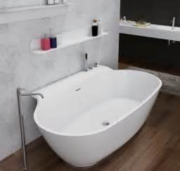 freistehende badewanne an wand freistehende badewanne aus mineralguss luxx wei 223