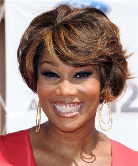 yolandas haircut yolanda adams short straight formal bob hairstyle with