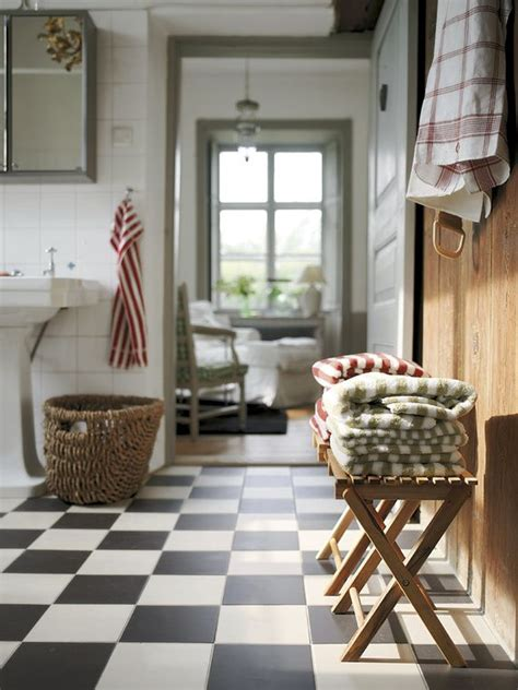 Black And White Checkered Tile Bathroom by 31 Black And White Checkered Bathroom Tile Ideas And Pictures