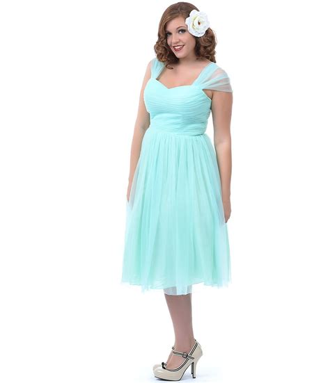Plus Size Bridesmaid Dress by Brides Guide To Plus Size Bridesmaid Dresses