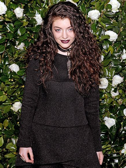 theme song hunger games lorde lorde s new theme song for the hunger games mockingjay