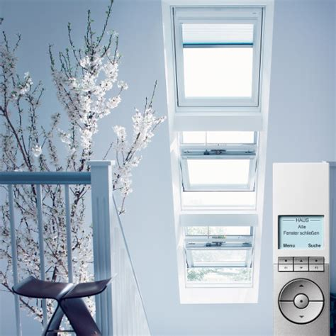 velux dachfenster rolladen elektrisch dachfenster mit elektrischen rolladen me22 hitoiro