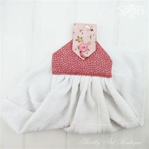 kitchen towel craft ideas hanging kitchen towel craft projects crafts bathroom towel tutorials cachedembellished hooded