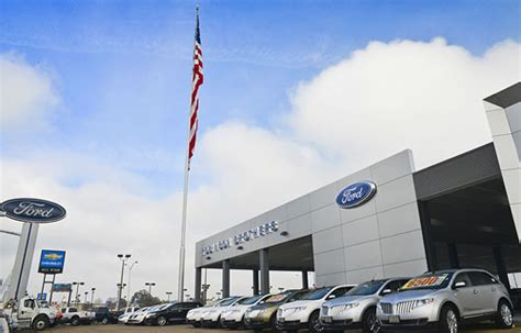 Ford Dealerships In Louisiana by Ford Crown Specs