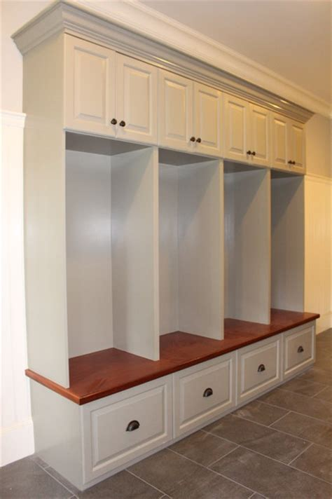 entry lockers bench seats lockers cubbies mudroom traditional