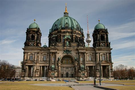 Awesome Churches In Germany #3: Berliner-dom-from-the-lustgarten.jpg