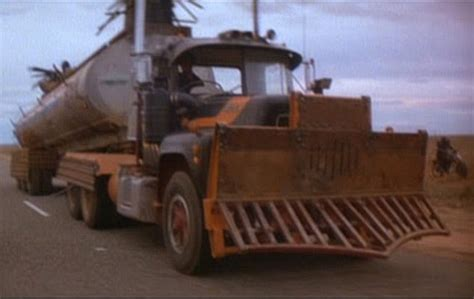 Topi Trucker Mad Max 1 presenting beating quot mad max quot battle tanks and buses zero hedge