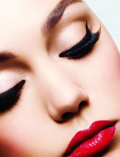 Lipstik Make pinup inspired makeup editorial makeup bright lipstick and