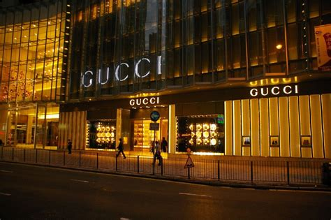 Garden State Mall Gucci Store Sign Of The The Demise Of Conspicuous Consumption