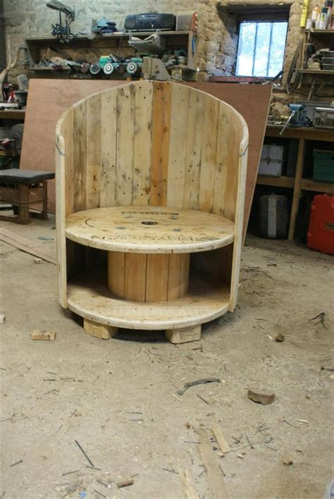 make all from wood reclaimed cable drum pallet wood into chair pallet