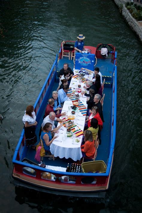 dinner on a boat san antonio take a san antonio riverboat tour drive the nation