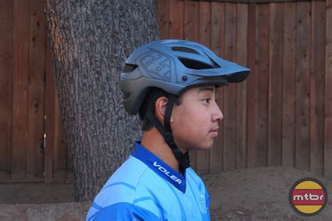 troy lee design helm a1 review troy lee designs a1 drone helmet mtbr com
