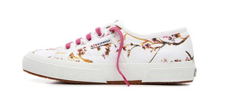 superga fiori superga 174 per aw lab a maggio nei negozi mode