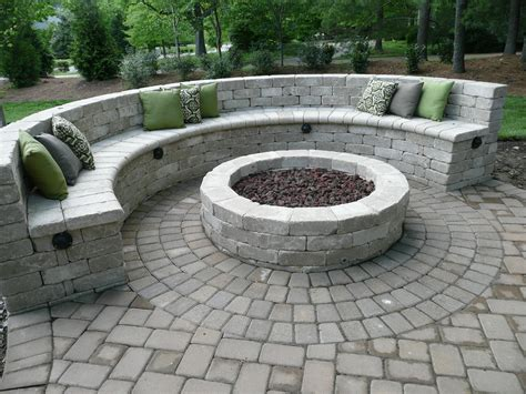 Pit On Patio by Seat Bench With Gas Pit Http Www Eastmanhardscapes