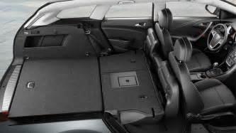Opel Astra Sport Tourer Luggage Space Caracteristicile Principale Ale Modelului Opel Astra