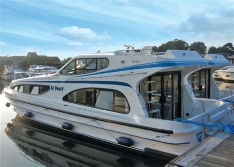 house boat holidays le boat benson in benson thames valley hoseasons co uk