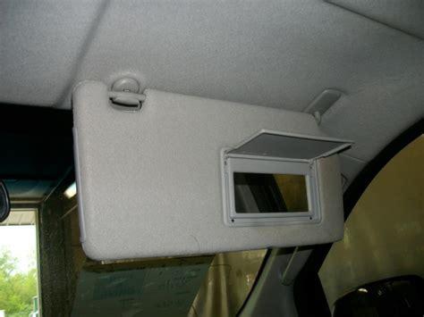 nissan xterra sun visor sell 08 nissan xterra passenger sun visor shade 1085913