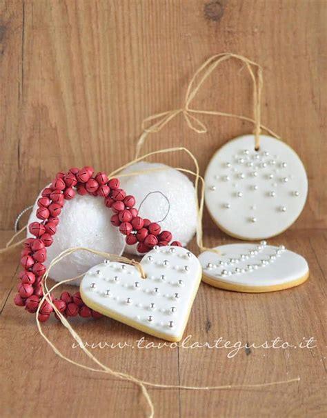 Biscotti Natale Decorati by Biscotti Di Natale Decorati In Pasta Di Zucchero Ricetta