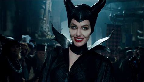 film maleficent why all our daughters need to see maleficent right now
