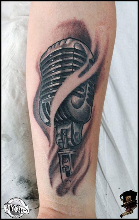 microphone tattoo on neck best 25 mic tattoo ideas on pinterest microphone tattoo