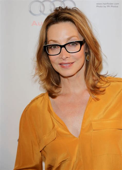 sharon lawrence hairstyle  glasses  create  sporty