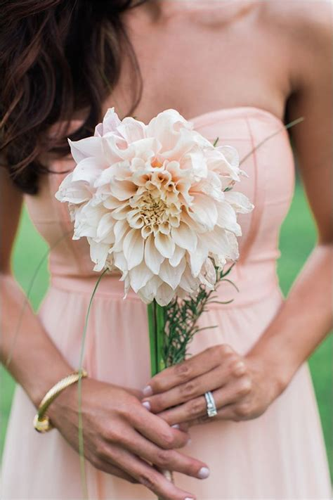 Best Single Stem Flowers Wedding 17 Best Ideas About Single Flower Bouquet On Pinterest