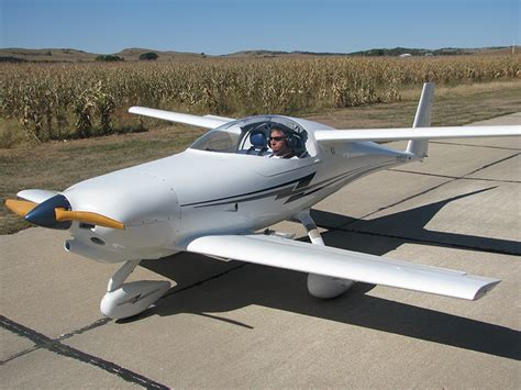 Small Home Built Jet Aircraft He Built World S Most Efficient Airplane News