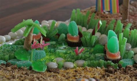 Garden Of My Gummies Gingerbread Cabana This