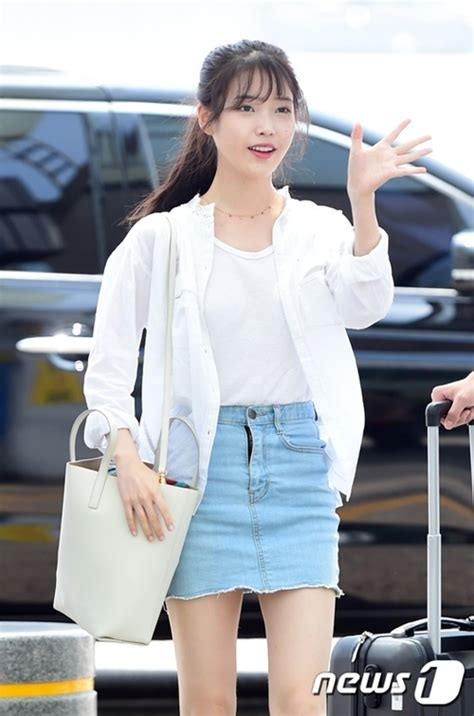 korean actress fashion iu airport fashion official korean fashion
