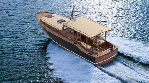 hemingway s fishing boat production version of hemingway s pilar fishing boat