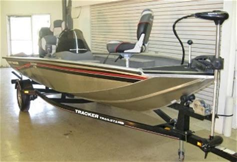 kbb bass boats boat auctions direct 2014 boat auction sales comparables