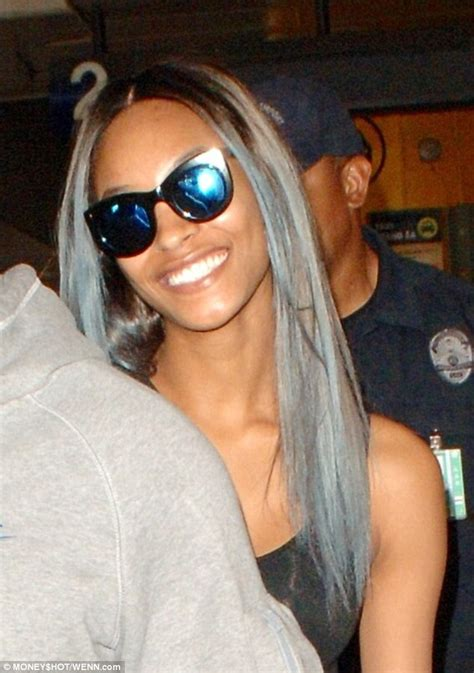 dunn silver hair jourdan dunn shows off new hairdo as she jets off to
