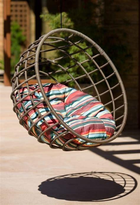 sillas colgantes de mimbre columpios y sillas colgantes para el jard 237 n 50 ideas