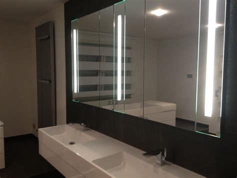 rustikale badezimmerbeleuchtung spiegelschrank f 252 rs bad dekoration inspiration
