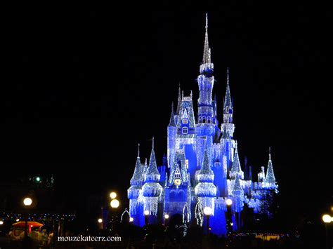 disney world christmas lights planning a disney christmas vacation here s the crowded