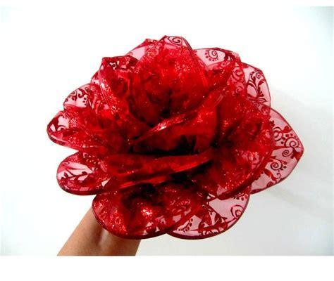 flores rojas mo 241 os flores rosas rojas en cintas de organza escarchada