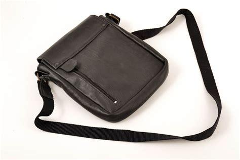 bolsos de hombres de cuero madeheart gt bolso de cuero artesanal accesorio de moda