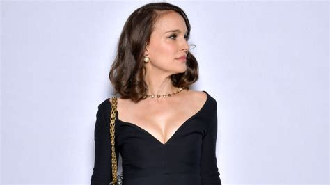 Natalie Weekly And Deal At Livenattycom Couture In The City by Natalie Portman Ruffalo And Other Reveal