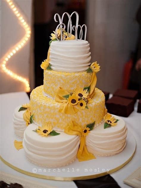25  best ideas about Yellow wedding cakes on Pinterest