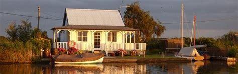 Weekend Cottages Norfolk by Fishing Holidays Uk Lakeside Fishing Lodges Fishing