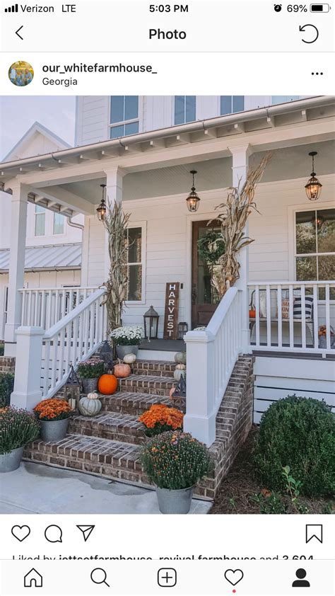 pin  aimee phillips  house build fall front porch