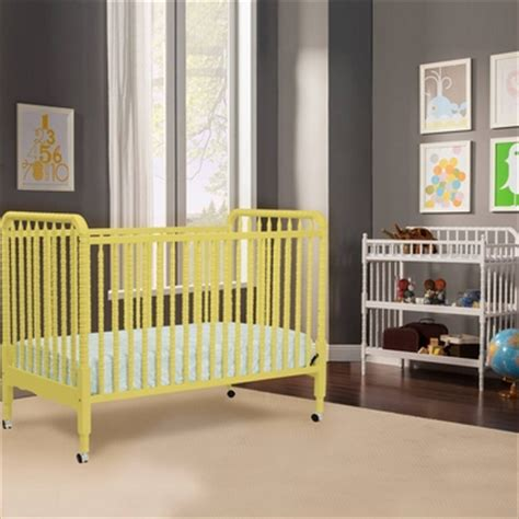 lind crib and changing table davinci 2 nursery set lind 3 in 1