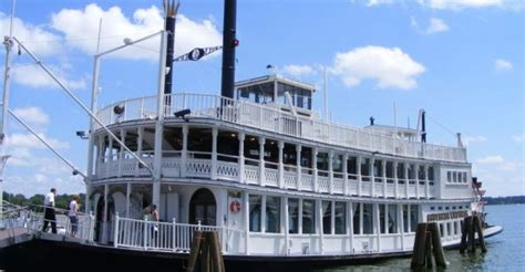 dinner on a boat galveston tx 40 best houston food drink images on pinterest houston