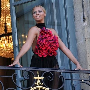 Fab Site Bazaarelitecom by Photoshoot Fab Beyonce Shoots For Quot S Bazaar Quot In