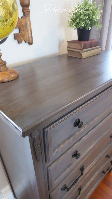 Painting Bedroom Furniture Gray 25 Best Ideas About Painted Dressers On Chalk