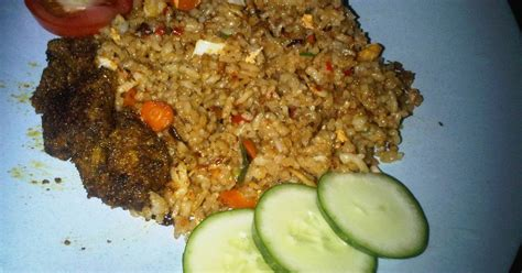 membuat nasi goreng pedas manis resep nasi goreng teri pedas rendang oleh mora cookpad