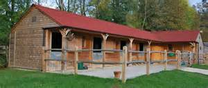 Garages And Barns broadfield stables quality timber stables
