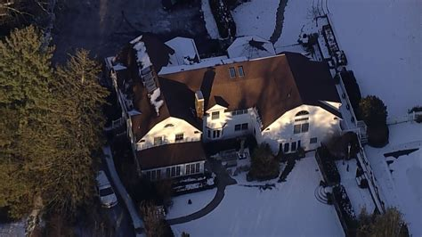 hillary clinton s house bill and hillary clinton s chappaqua new york home inspected after fire