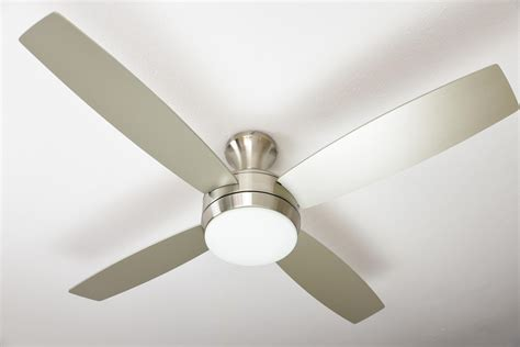 ceiling fan saturn 132 cm 52 quot with light and remote